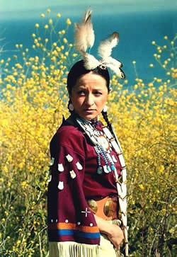 Native American dancer Elaine Meyers will be performing a variety of dances (and children--and adults--are welcome to join her) during the Feast of the Harvest Moon celebration.