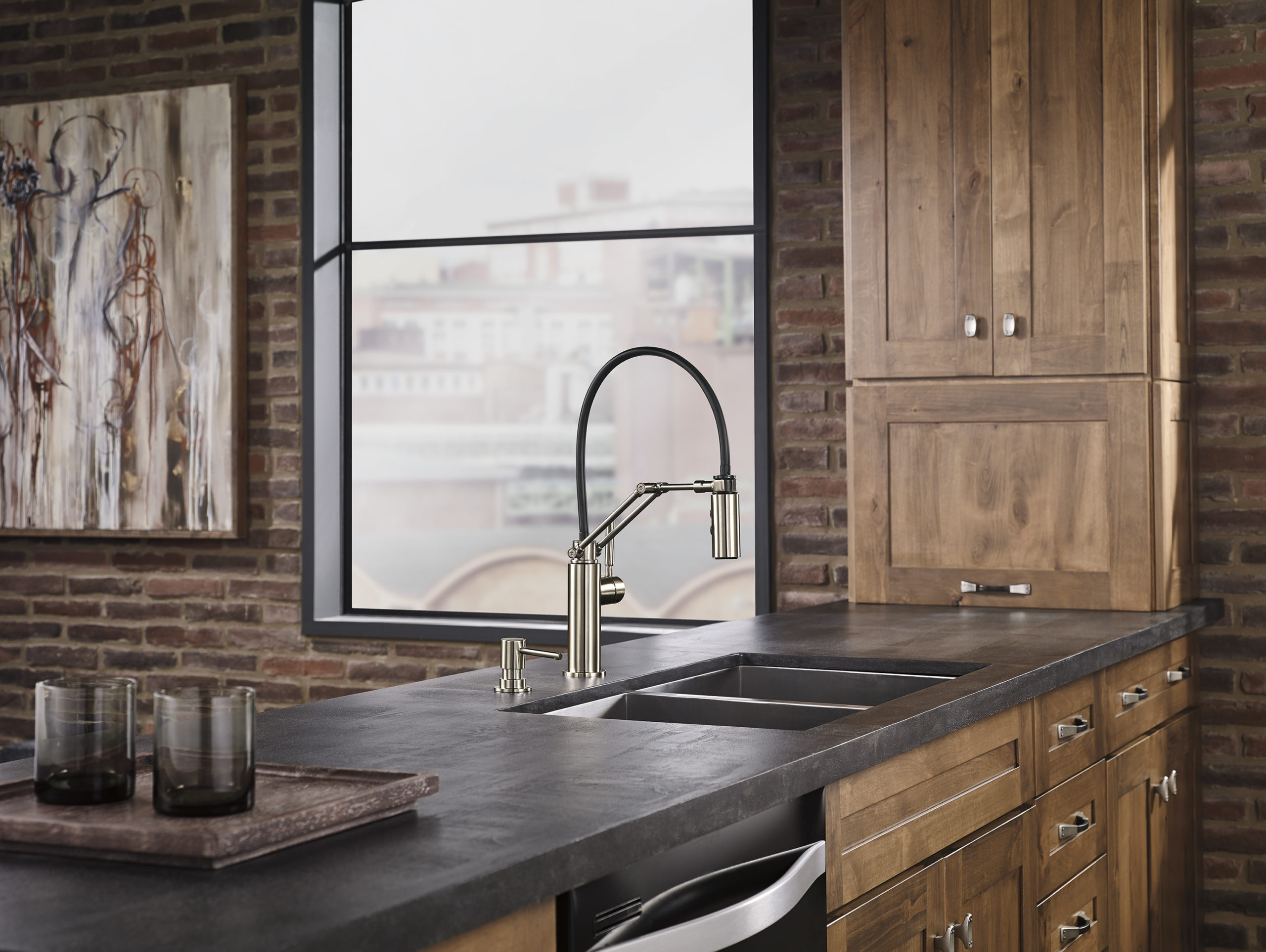 single handle articulating faucet