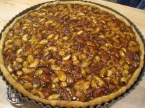Salted nut caramel tart