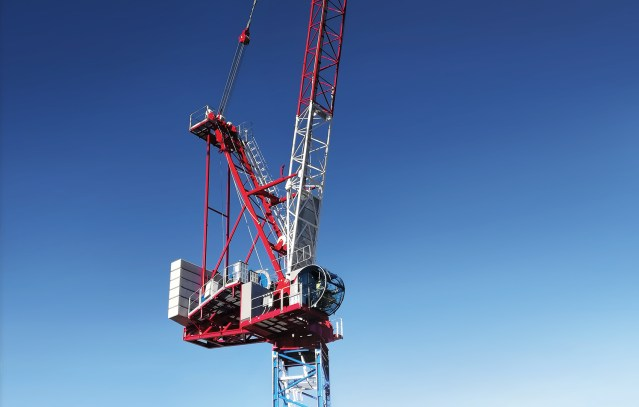 Raimondi Cranes presents new high performance luffer with heaviest lifting capacity