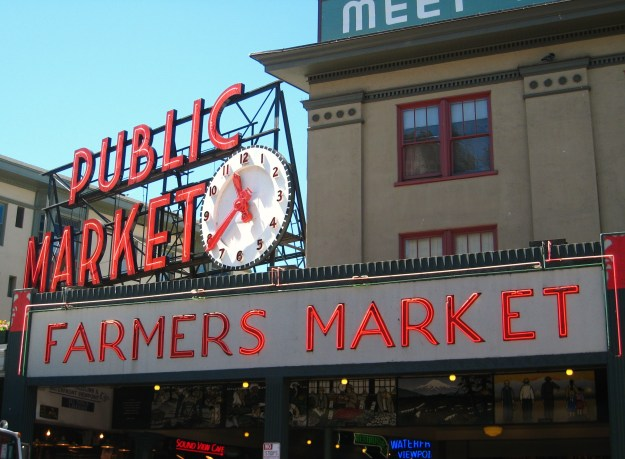 pike_place_market_clock.jpg