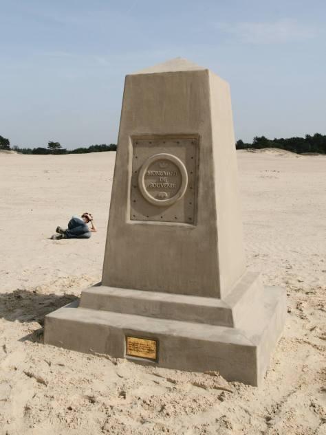 Monument de souvenir, front