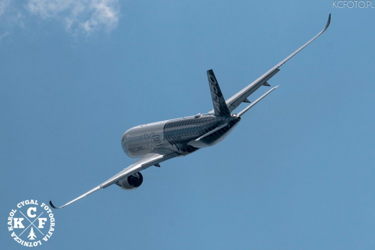 Airbus A-350-900,