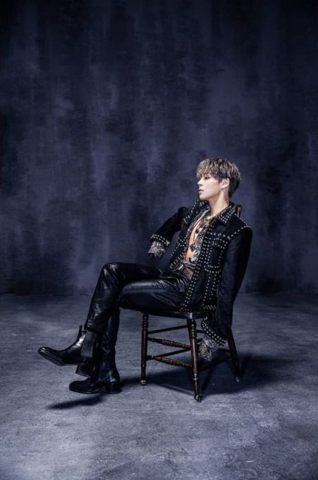 Khottie of the Week Woosung, leather solo album