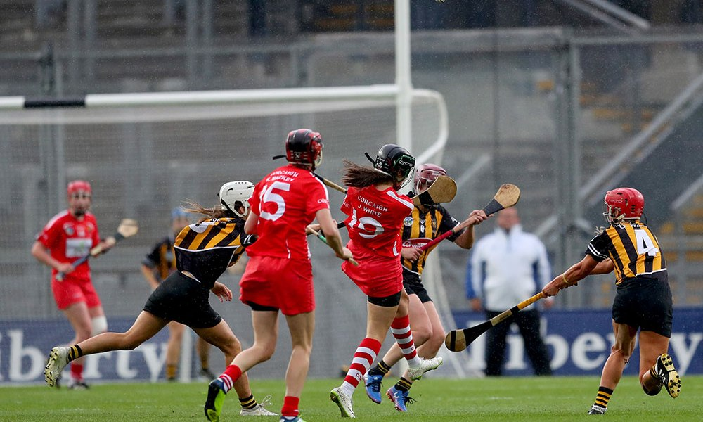 Cork's Julia White scores the winning point late in injury time Mandatory Credit ©INPHO/James Crombie
