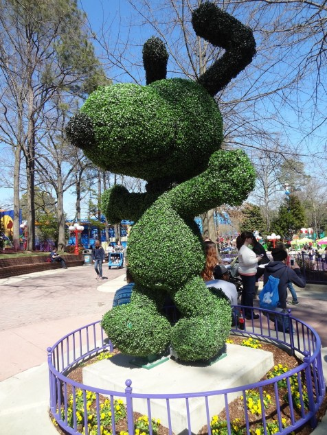 Snoopy Hedge!