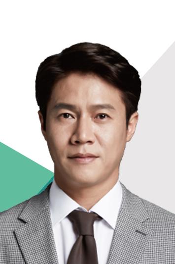 オム・ソンハン(cast:パク・ホサン)