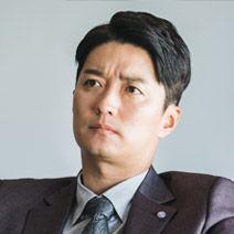 イン・ギョソク本部長(cast:イ・ギョンジン)