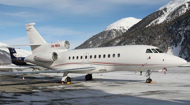 Jet terpakai dibeli daripada kerajaan Monaco. Sebuah dikongsi tujuh.