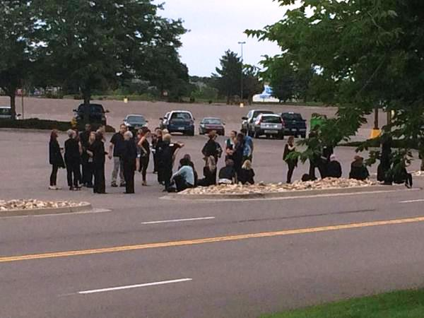 JeffCo officials investigating suspicious package at Littleton mall. (Photo: Angel Andres)