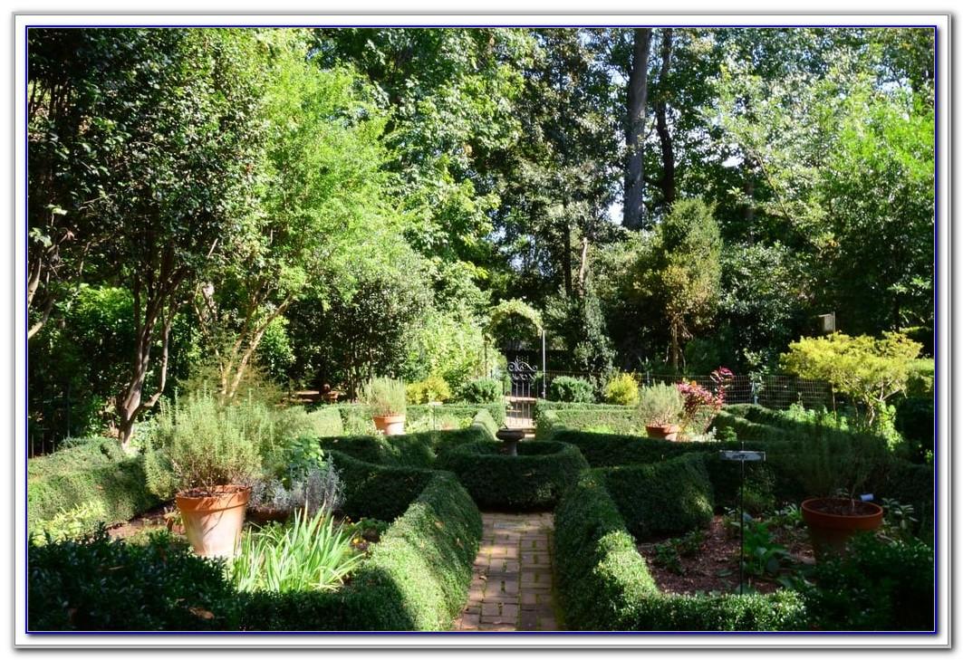 Charlotte Winghaven Garden And Bird Sanctuary