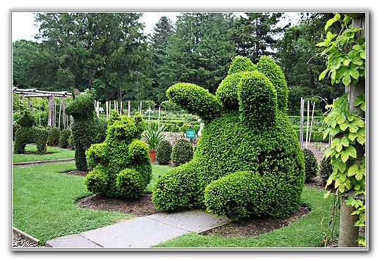 Green Animals Topiary Garden Ri