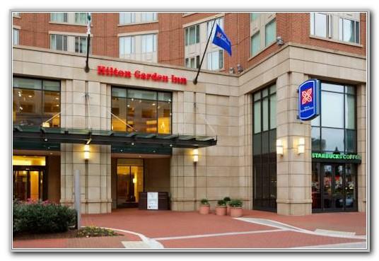 Hilton Garden Inn Baltimore Inner Harbor East
