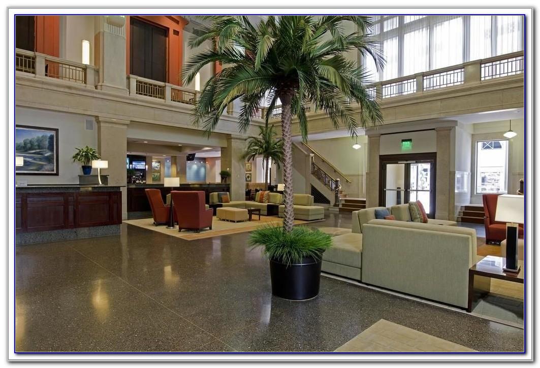 Hilton Garden Inn Indianapolis Downtown Airport Shuttle