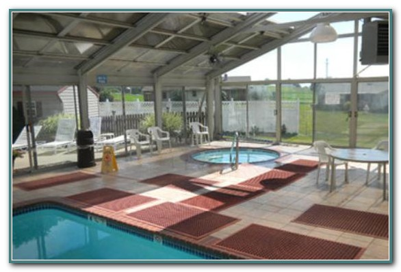 Lancaster Hotels With Pool