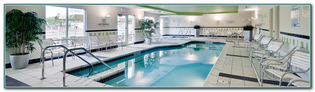 Milwaukee Hotels With Pools