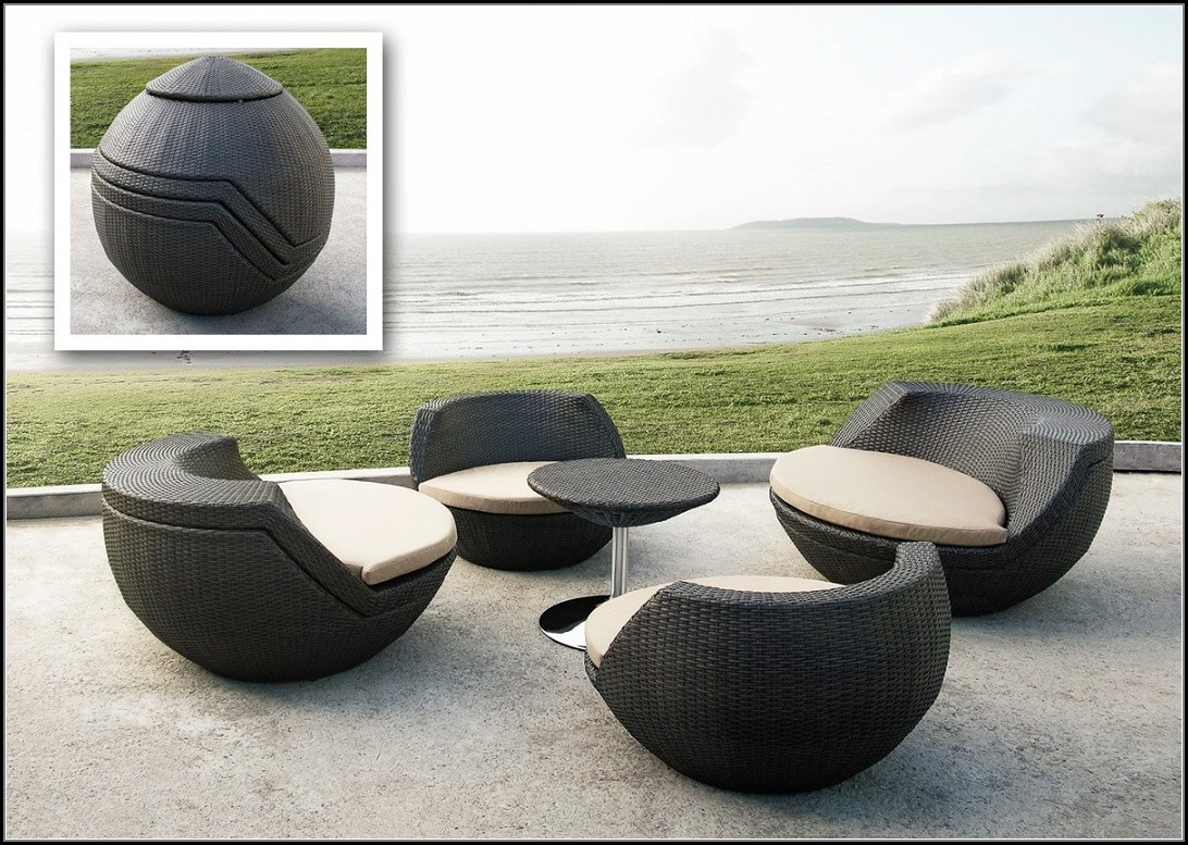 Modern Outdoor Wicker Furniture Set