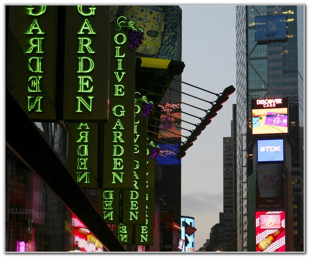Olive Garden Times Square Address