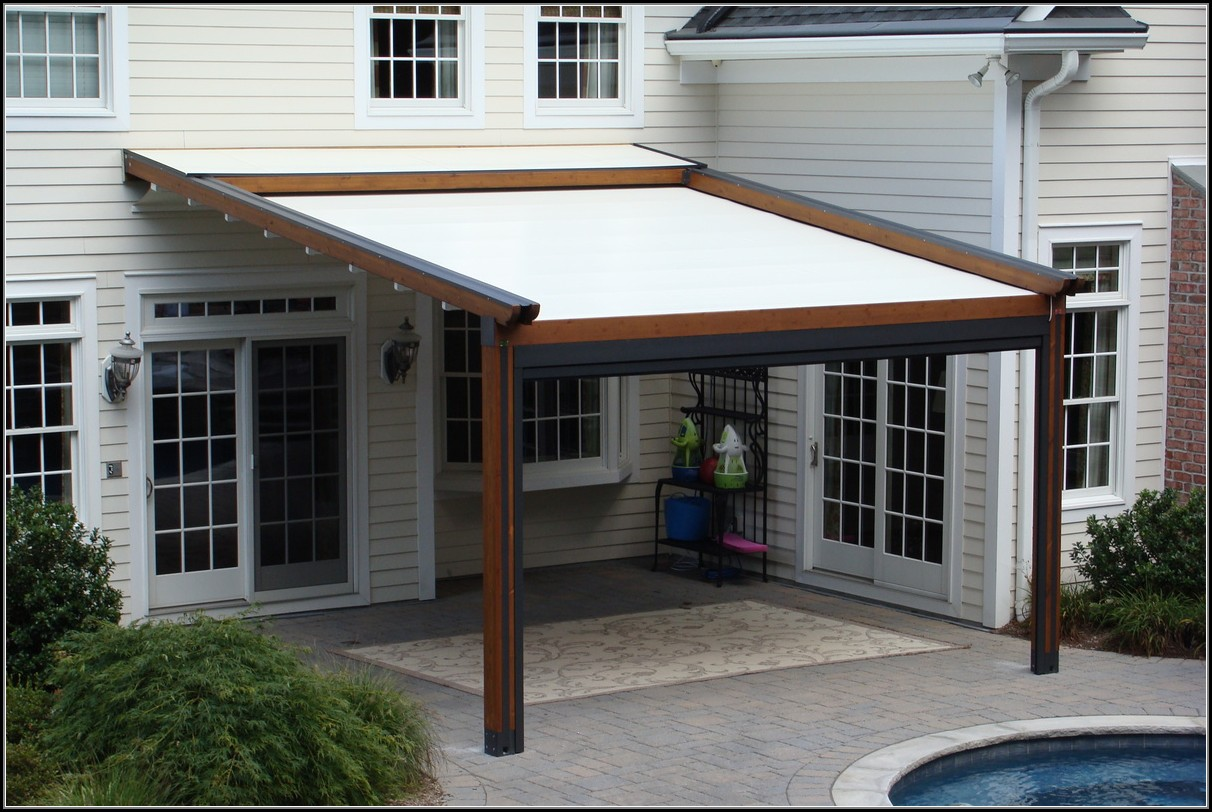 Patio Pergola With Retractable Awning