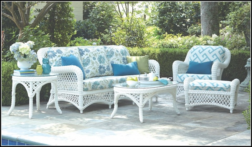 White Resin Wicker Patio Furniture