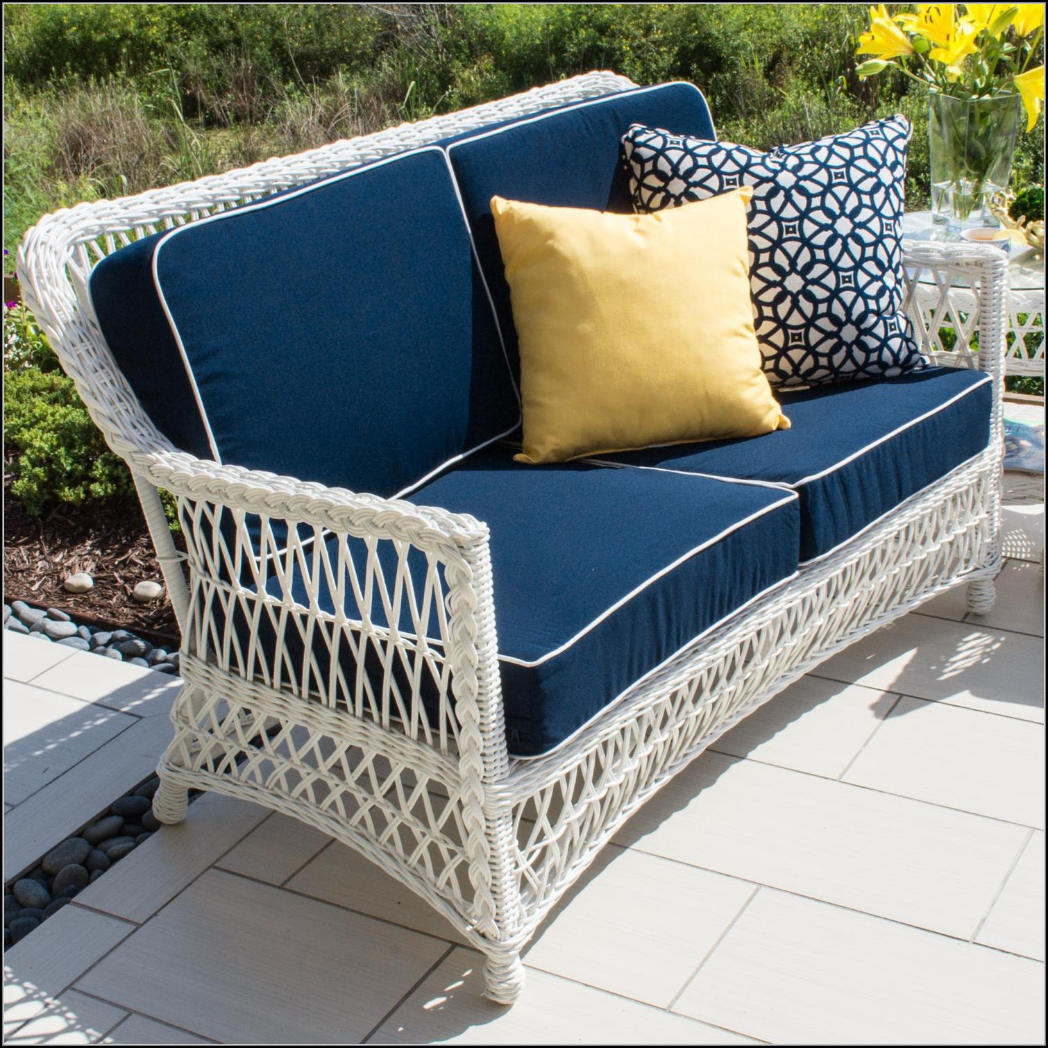 White Wicker Patio Loveseat