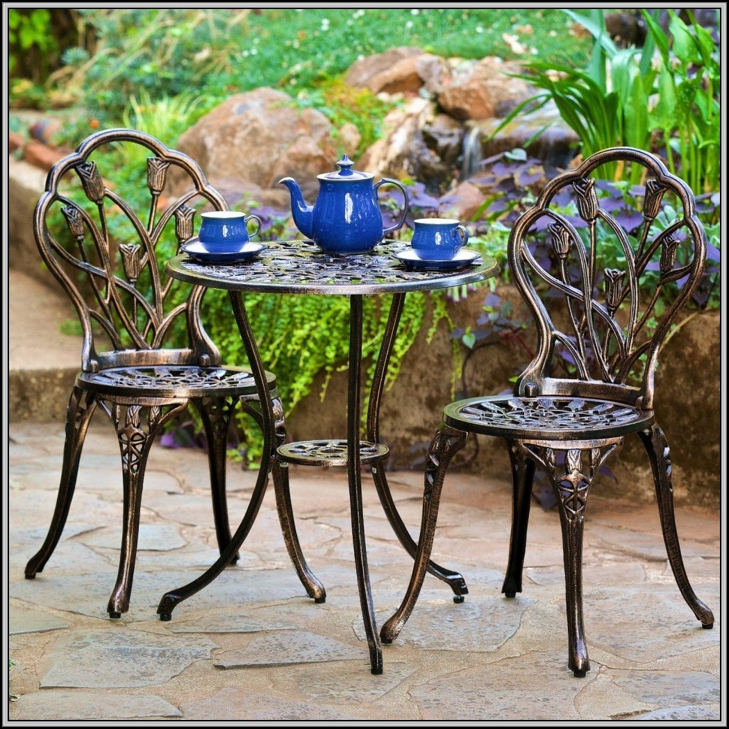 Wrought Iron Patio Table 2 Chairs