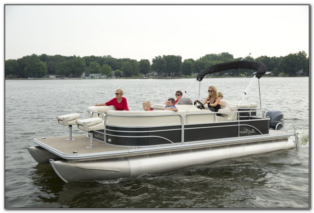 Best Deck Boat For Fishing