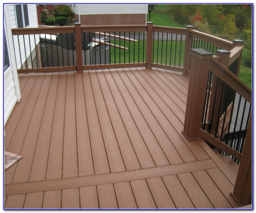 Custom Wood Deck Railings