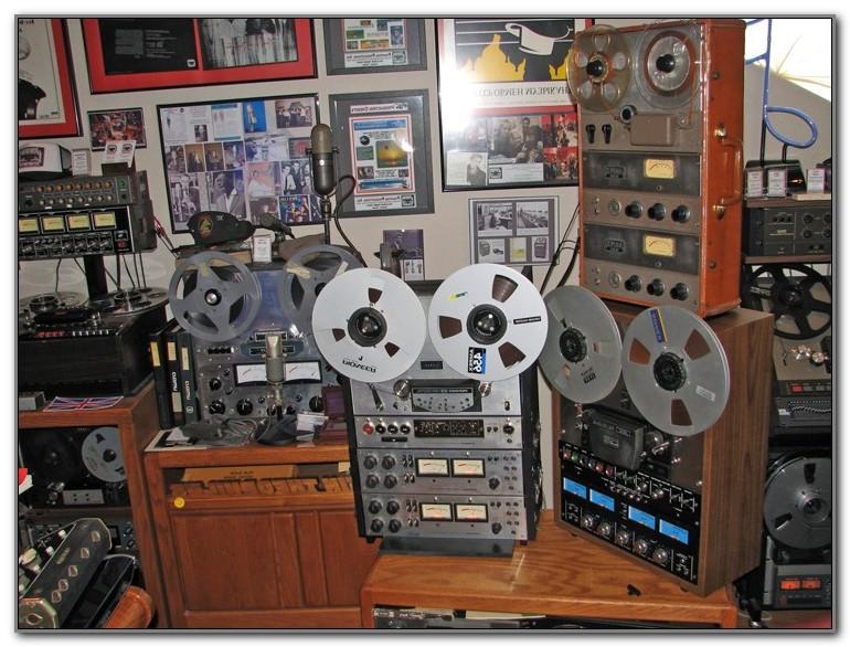 Vintage Reel To Reel Tape Recorders