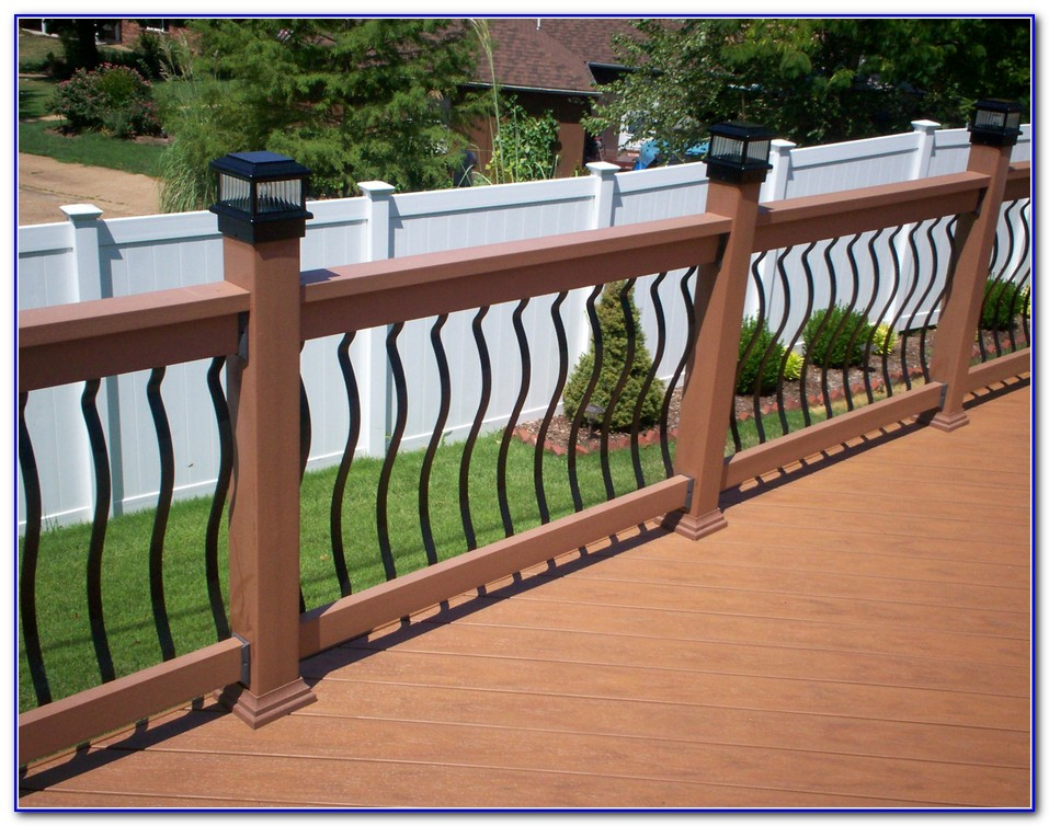 Wood Deck Railing With Glass Panels