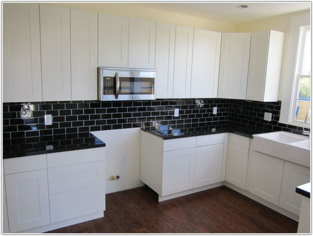 Black And White Subway Tile Backsplash