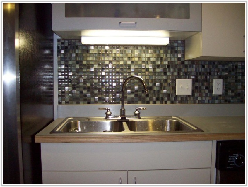Glass Tile Backsplash In Kitchen Design Ideas