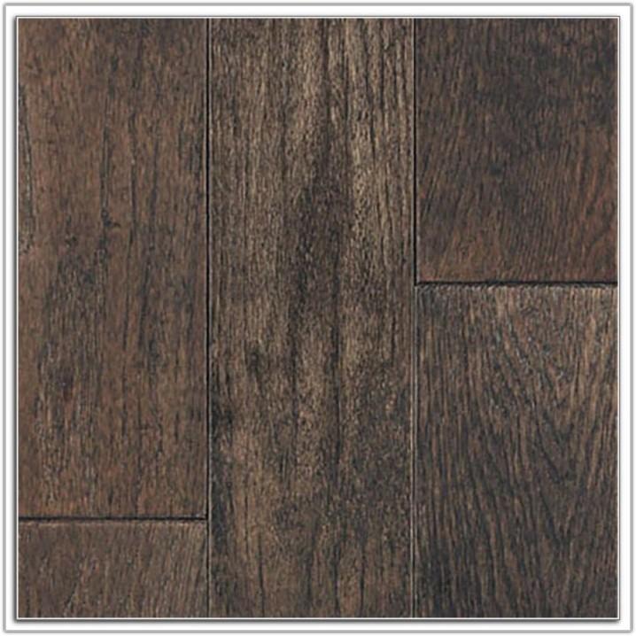 Blue And White Checkered Vinyl Flooring