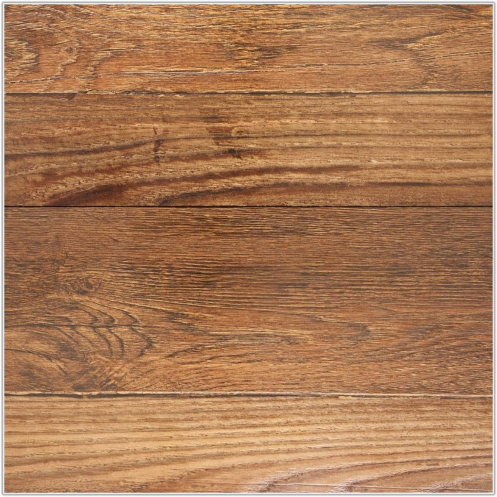 Red Oak Laminate Flooring