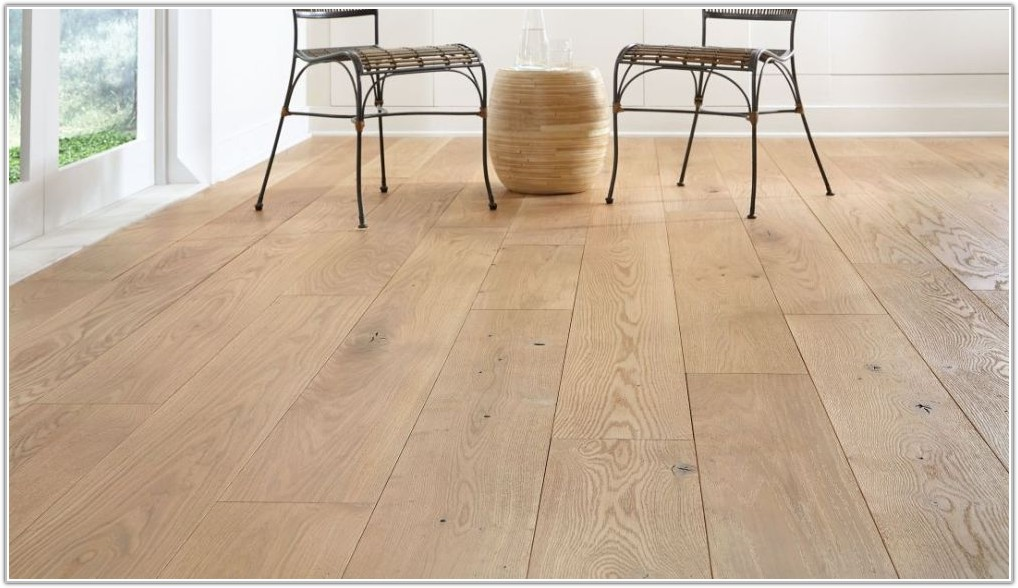Wide Plank Oak Wood Flooring