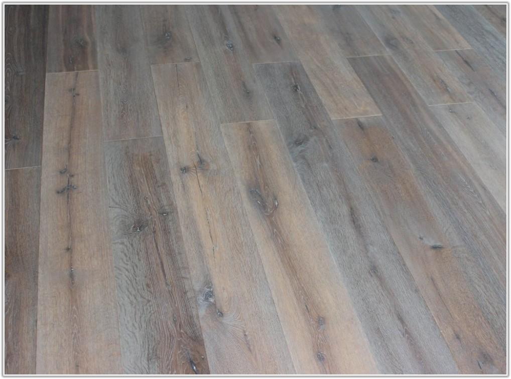 Wire Brushed Oak Hardwood Flooring