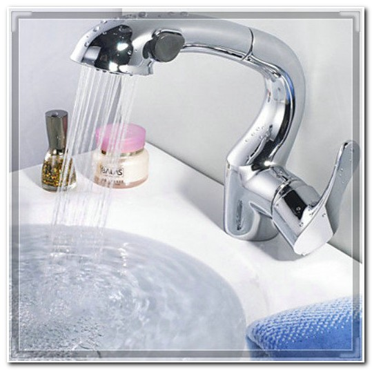 Bath Faucet With Pull Out Sprayer