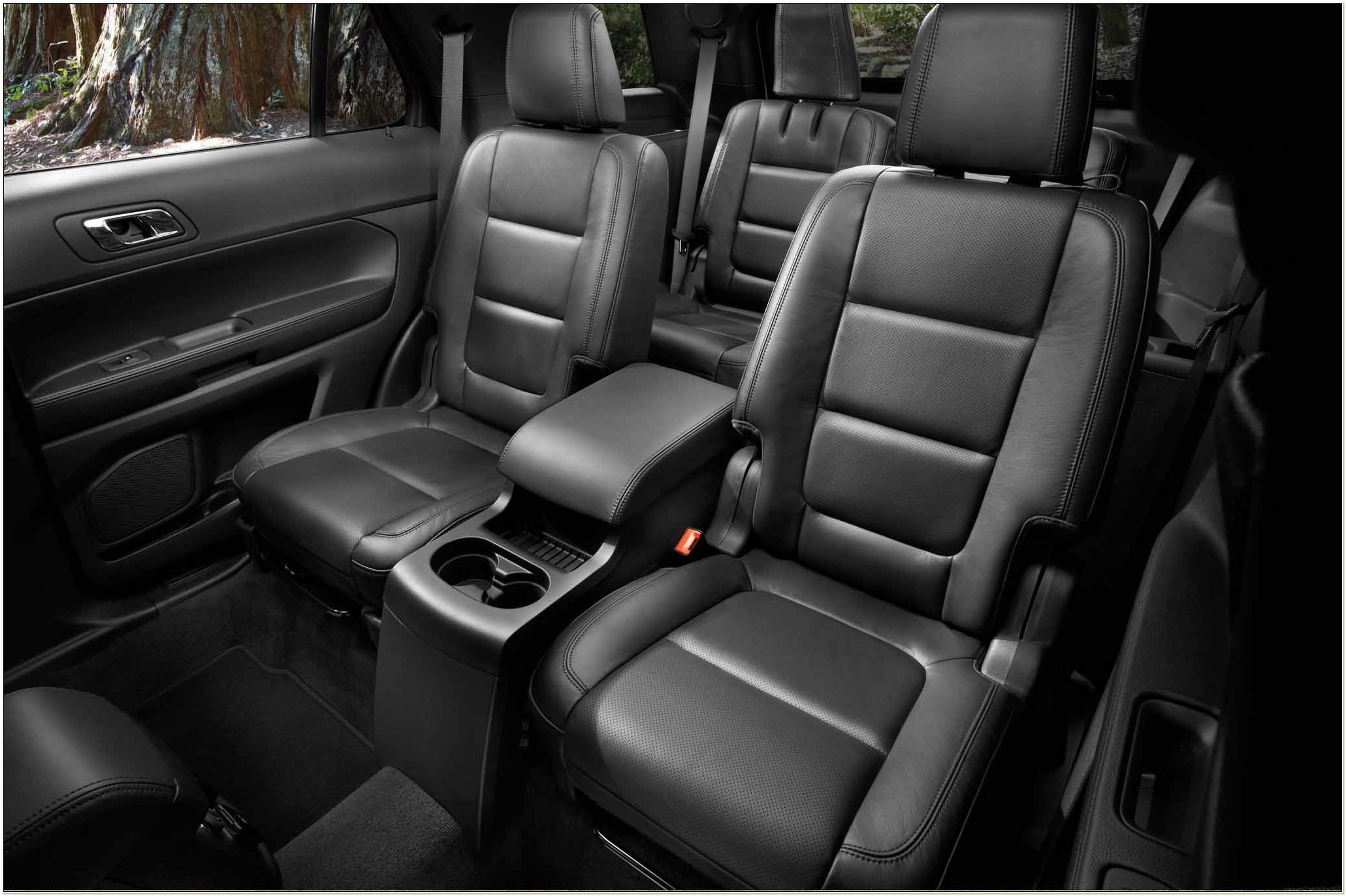2012 Ford Explorer With Captains Chairs