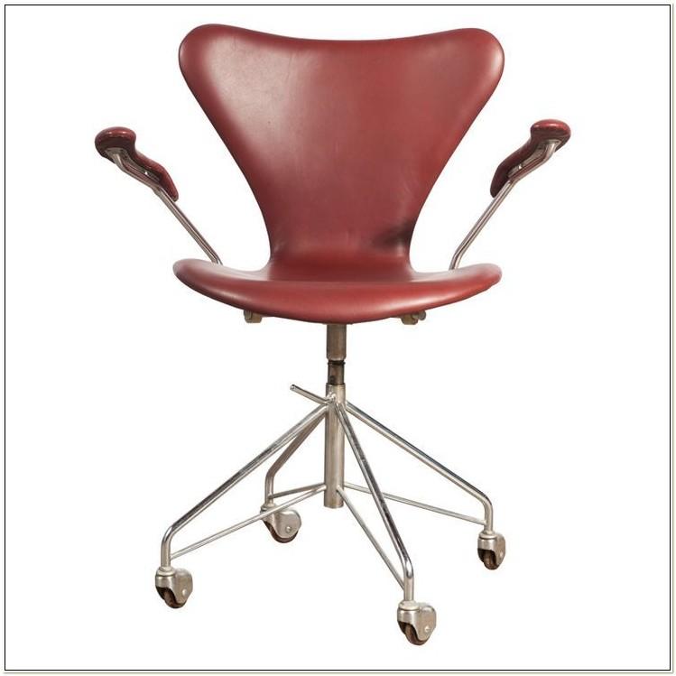 Arne Jacobsen Office Chair Replica