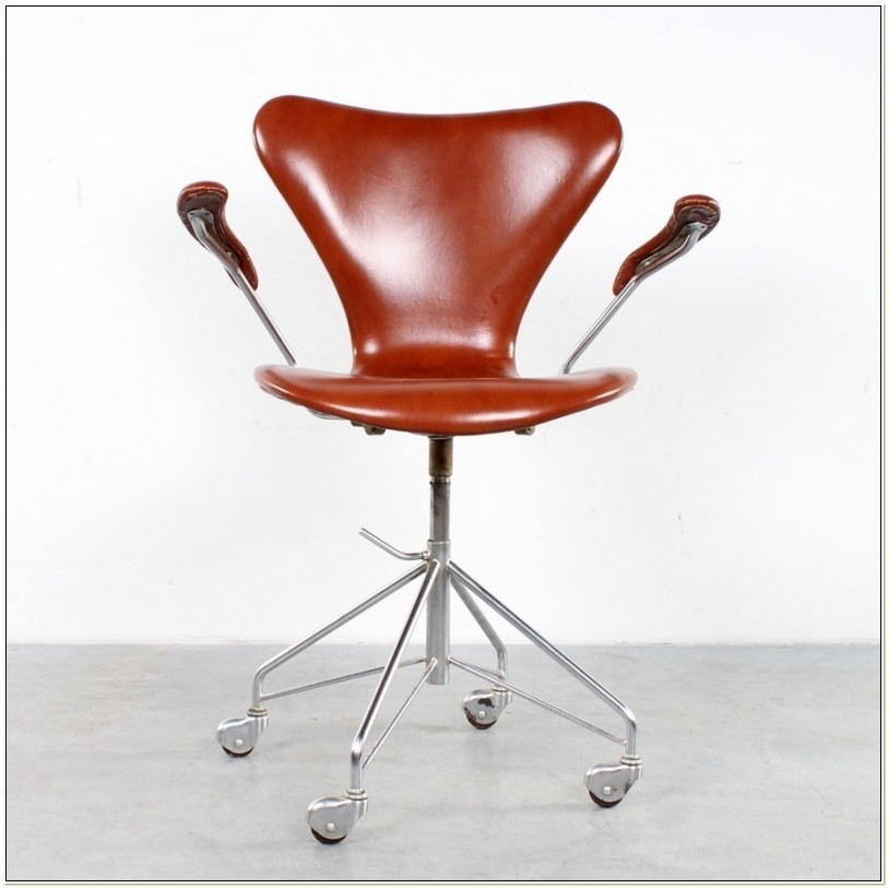 Arne Jacobsen Series 7 Office Chair