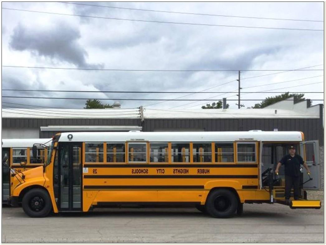 Braun Wheelchair Lift School Bus