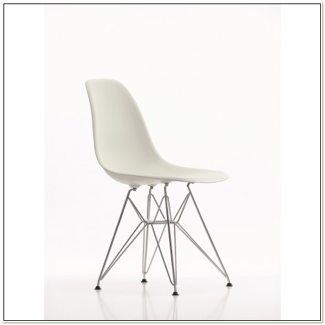 Charles Ray Eames Plastic Chair