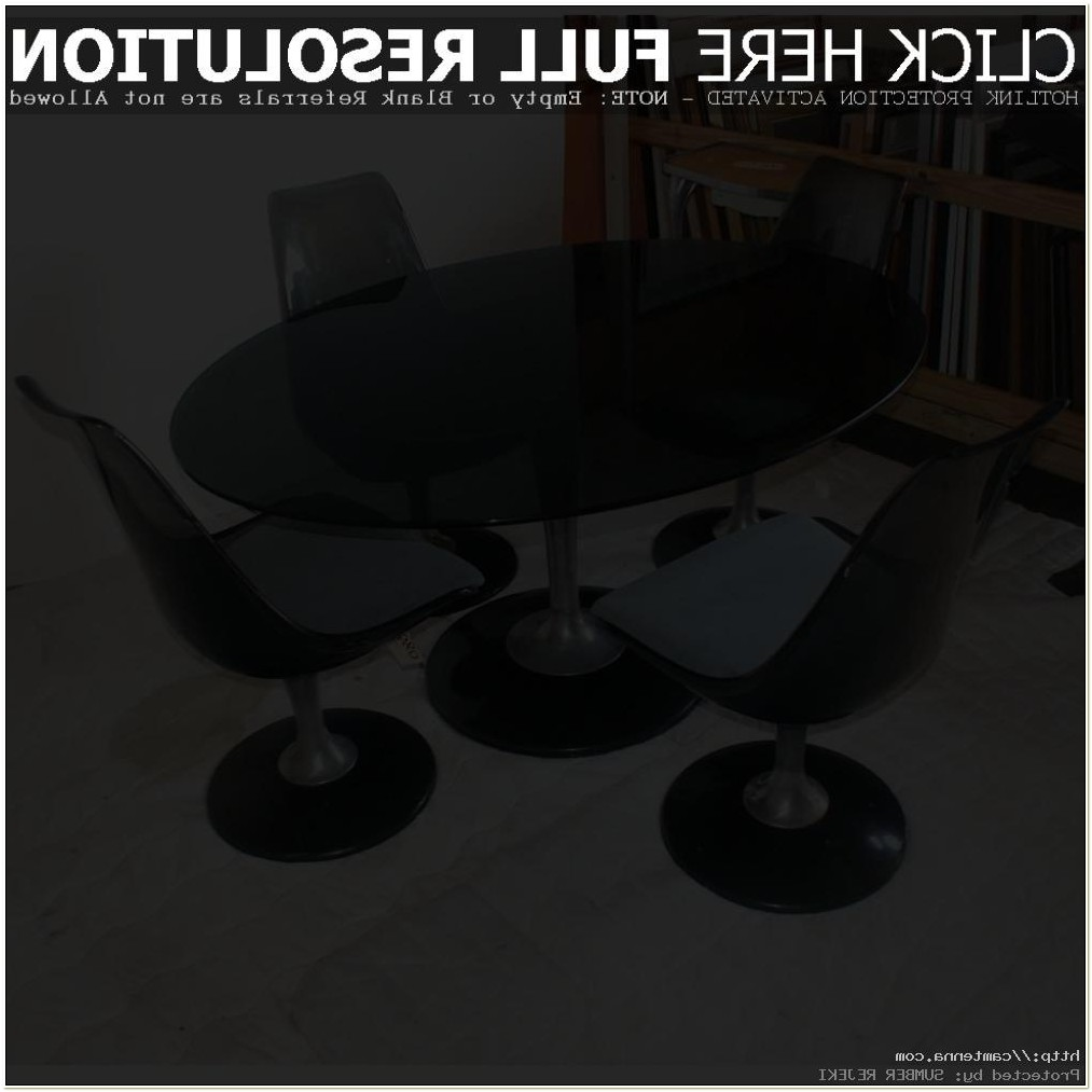 Chromcraft Table And Chairs