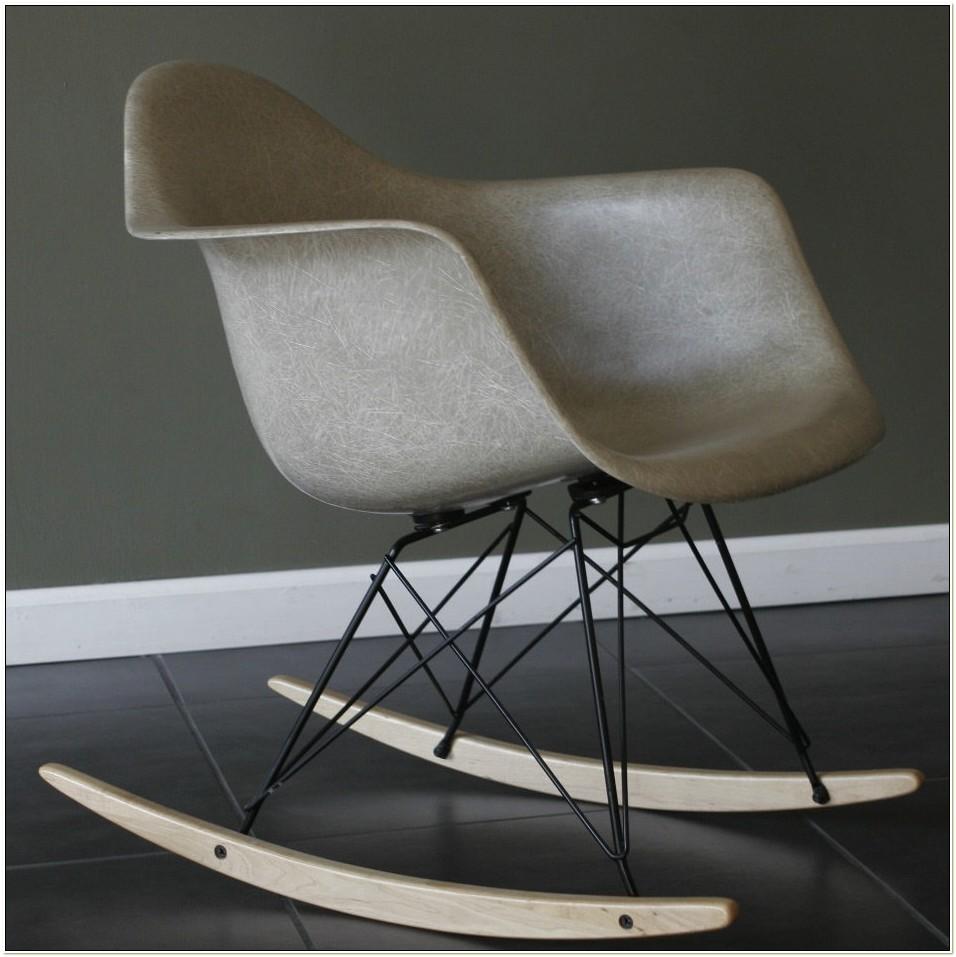 Eames Fiberglass Rocking Chair