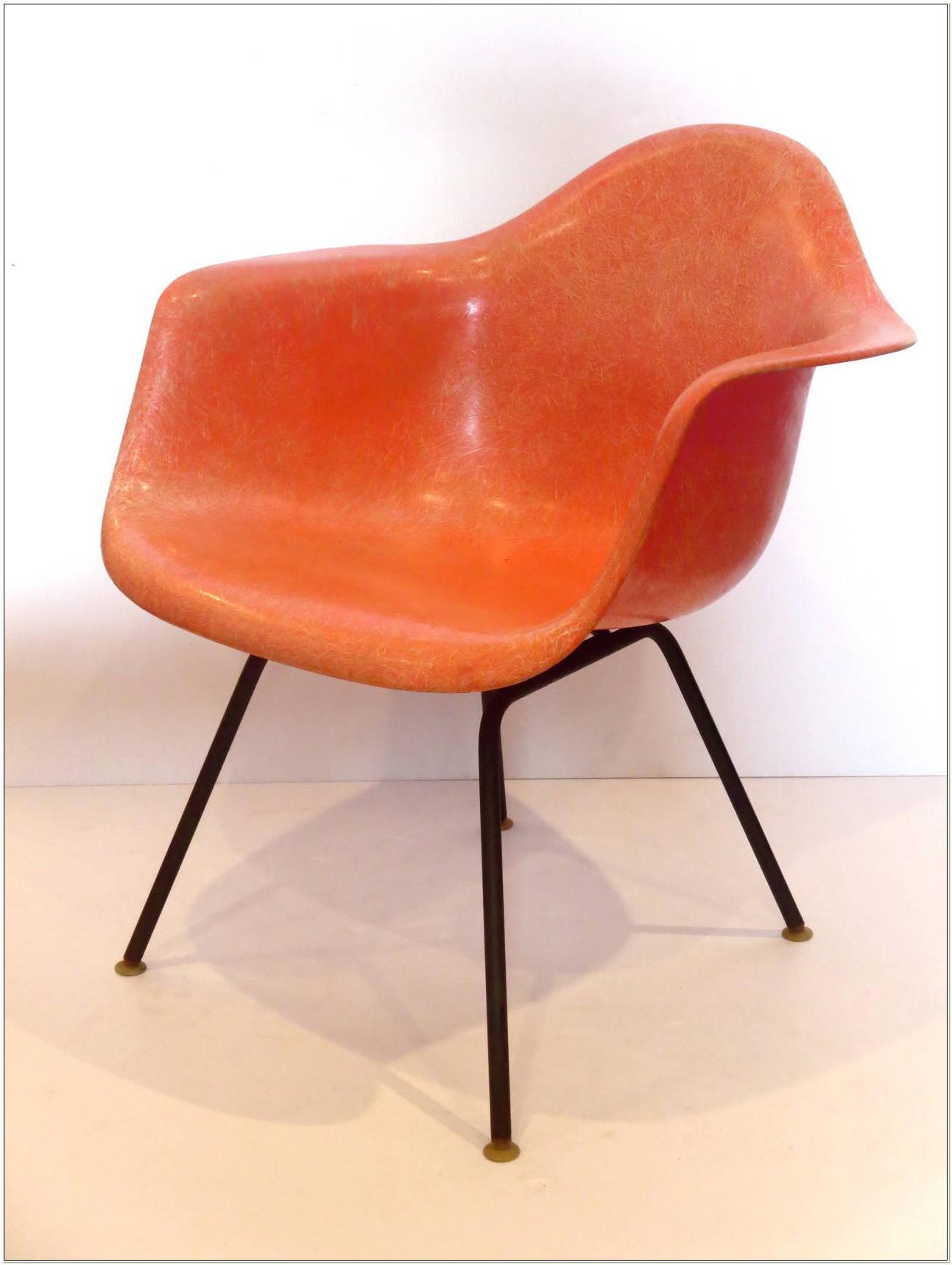 Eames Herman Miller Fiberglass Shell Side Chair