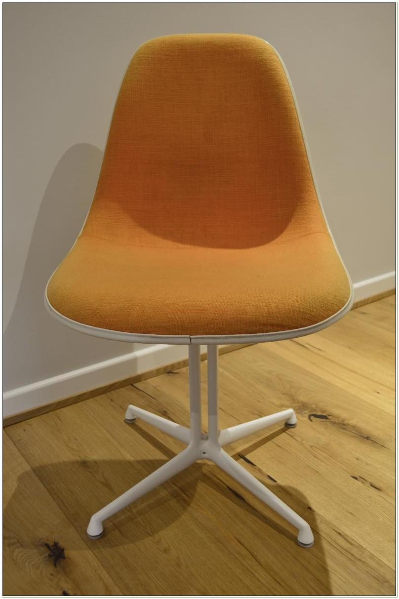 Eames La Fonda Chair Vitra