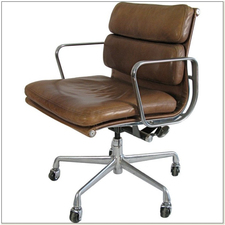 Eames Soft Pad Management Chair Leather