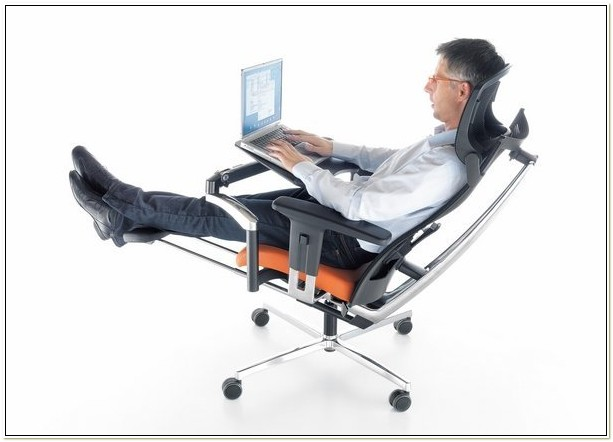 Ergonomic Chair With Footrest