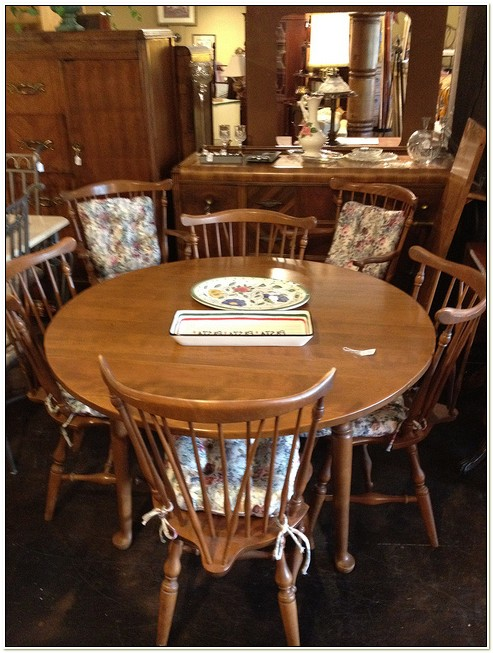 Ethan Allen Dining Table And 6 Chairs