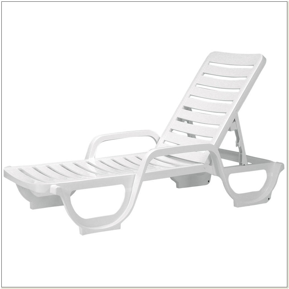 Grosfillex Bahia Chaise Pool Lounge Chairs